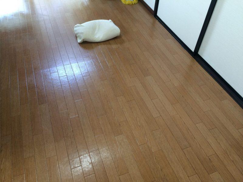 床に直接寝る